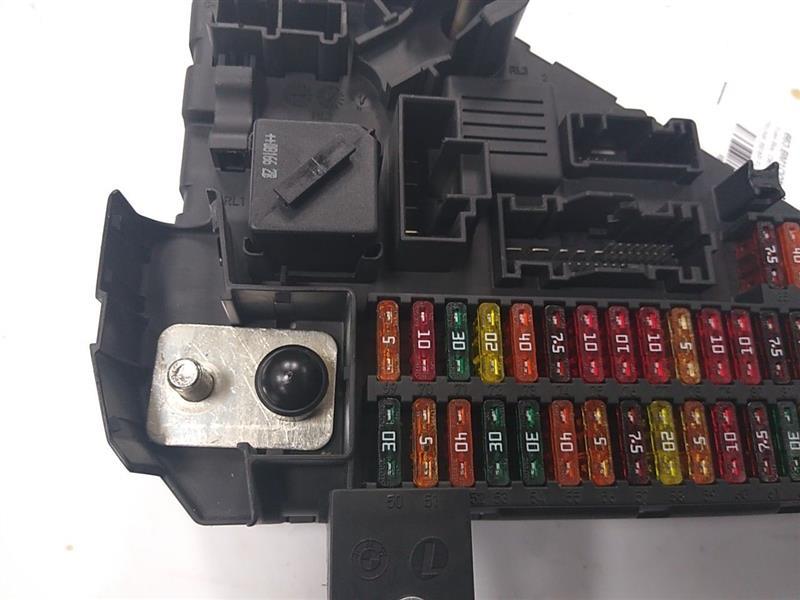 06 07 08 09 Bmw 535i Rear Trunk Fuse Box Relay Panel Power Module 6906619