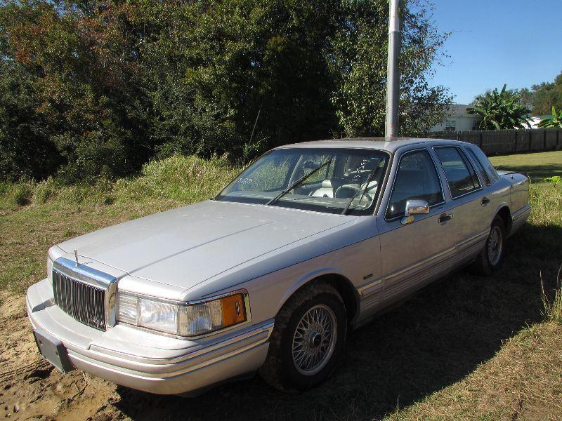 91 Lincoln Town Car