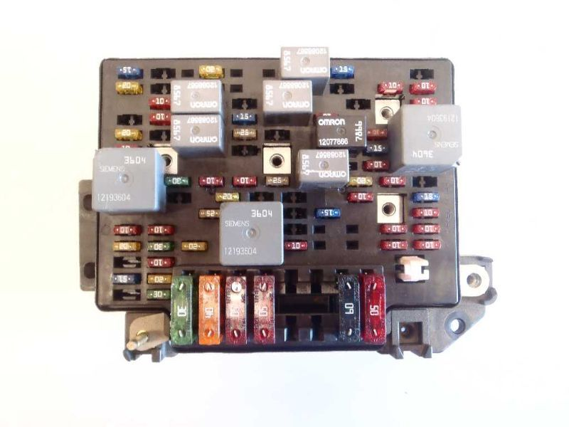 this 2000 00 chevy s10 blazer fuse box engine 4 3l oem 463328 is in overall  good condition  the part has normal wear from use, which might be seen from  the