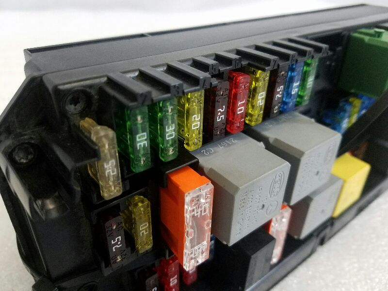 2013 mercedes glk350, sam control fuse box, p/n 2129003514