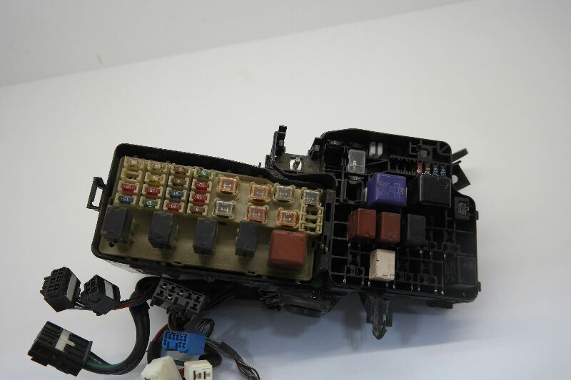 02 03 04 TOYOTA CAMRY Fuse Box Engine Japan Built Thru 5/04 4 Cylinder OEM | eBay
