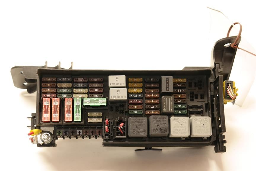 Rear Trunk Fuse Box 1645451740 Fits 2011 Mercedes