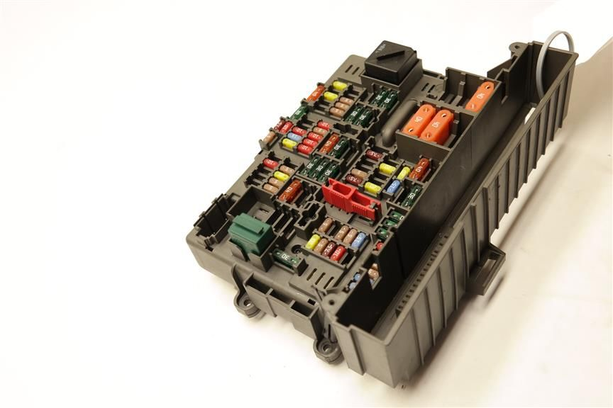 Front Engine Fuse Box 61149119445 Fits 2008 Bmw M3 E93 Oem 961149119445