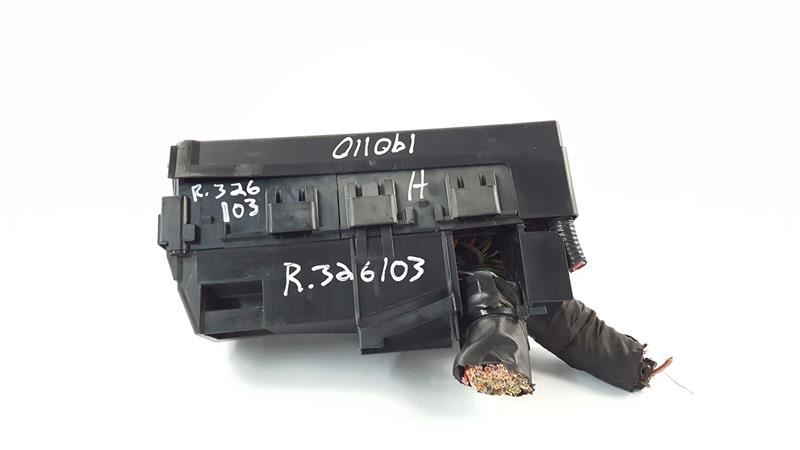 Engine Fuse Junction Box Oem 10 Lincoln Mkt Oem P  N  8g1t