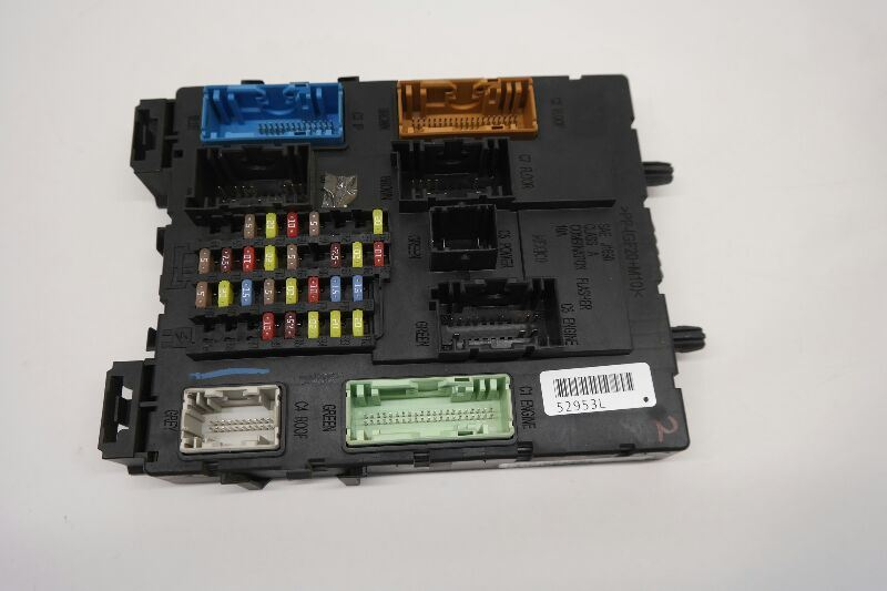 2013 Ford Escape Body Control Module And Inside Fuse Block Assembly
