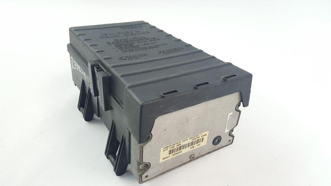 Engine Fuse Box 05144505ac Oem 03 04 05 Caravan 03 04 05