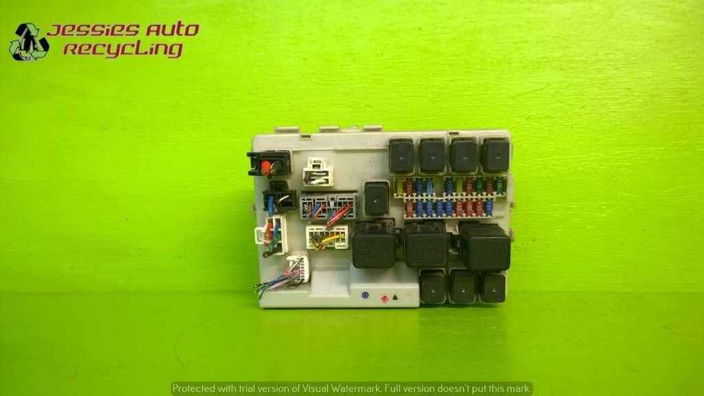 04 05 06 07 08 09 Nissan Quest 3 5l At Van Fuse Relay Box Oem 1953