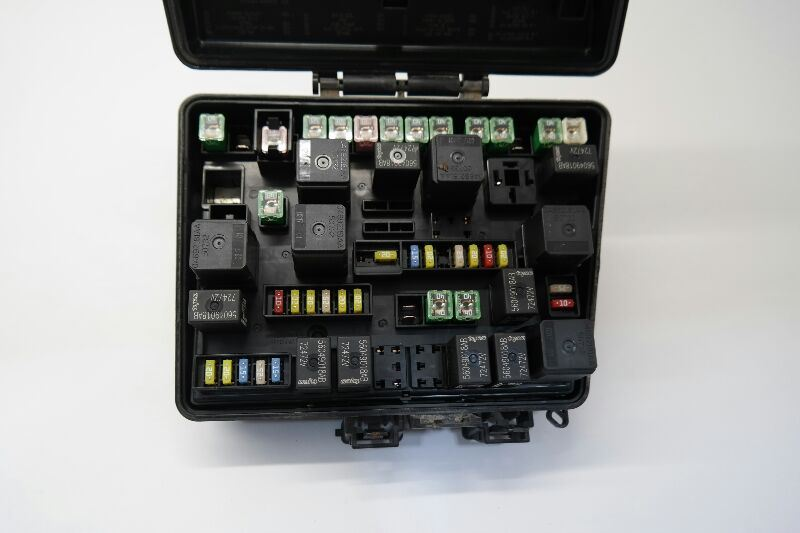 2007-2008 Chrysler Pacifica Fuse Box Relay Unit 08082088AF ...