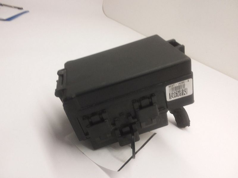 2010 2011 2012 Ford Fusion 2.5l Fuse Box Engine VIN 3 8th ...