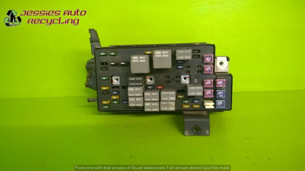 01 Hyundai Xg Series Xg300 3 0 At Fuse Relay Box Oem 1890
