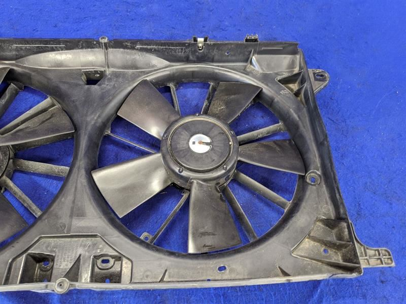 New Radiator Cooling Fan Assembly for Ford F150 Pickup Truck